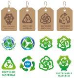 Reciclaje de símbolos y de escrituras de la etiqueta Fotos de archivo