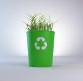 Reciclaje del compartimiento de basura con el crecimiento Imagen de archivo