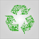 Reciclando a ilustração do conceito - os vários meios, a tecnologia, o ambiente e os ícones industriais deram forma em um símbolo Fotos de Stock