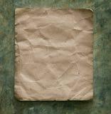 Recicle el documento sobre la pared del cemento Foto de archivo