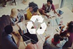 Recicle la solución biodegradable autorizan concepto gráfico foto de archivo