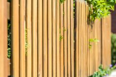 Recinto recentemente costruito del giardino come frontiera della propriet? immagine stock libera da diritti