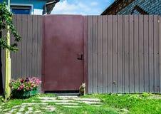 Recinto rustico con il gatto Fotografie Stock