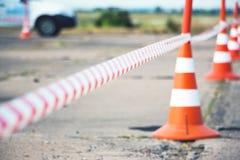 Recinzione del cono della strada e del nastro Fotografia Stock