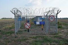 Recinzione della valvola che chiude il gasdotto Fotografia Stock Libera da Diritti