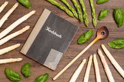 Recipe book with asparagus Royalty Free Stock Images