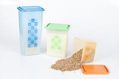 Recipiente di plastica con alimento fotografia stock libera da diritti