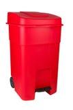 Recipiente di plastica rosso del bidone della spazzatura Immagini Stock
