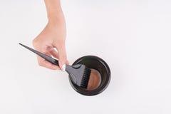Recipiente e escova da tintura de cabelo fotos de stock