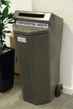Recipiente para residuos confidencial Imagen de archivo
