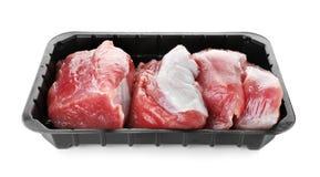 Recipiente plástico com carne crua imagens de stock royalty free