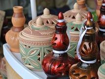 Recipientes de armazenamento tradicionais a da água K A Labu Sayong no malaio feito da argila Foto de Stock