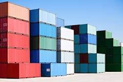 Recipientes de frete da carga no terminal do porto Imagens de Stock Royalty Free