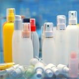Recipientes de produto cosméticos imagens de stock