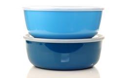 Recipientes plásticos azuis para o armazenamento do alimento Fotos de Stock Royalty Free