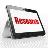 Reclameconcept: Tabletcomputer met Onderzoek naar vertoning Stock Afbeelding