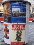 Reclamezuil met Museum van Communismebanner in Oude Stad Royalty-vrije Stock Fotografie
