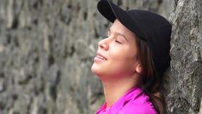 Reclinación adolescente cansada de la muchacha Fotos de archivo libres de regalías