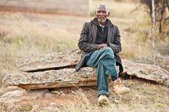 Reclinación africana del hombre Imagen de archivo