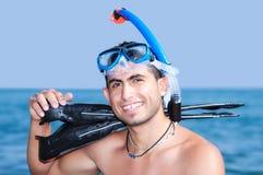 Reclinación atractiva de Snorkeler fotos de archivo libres de regalías