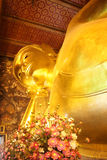 Reclining Buddha Gold Statue Stock Photography