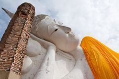 Reclining Buddha statue in Thailand Stock Photography
