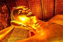 reclining wat för buddha pho royaltyfria bilder