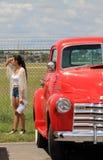 Recogida chevy roja del vintage Foto de archivo libre de regalías
