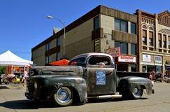 Recogidas de Chevrolet y de Chysler en un desfile imágenes de archivo libres de regalías