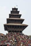 Recolectando en el cuadrado de Katmandu Durbar en el festival, Nepal Imagenes de archivo