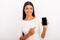 Recomendando o este telefone esperto Fotos de Stock Royalty Free