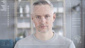 Reconhecimento de cara, controlo de segurança do homem envelhecido médio video estoque