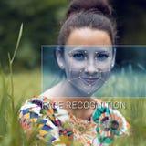 Reconnaissance de visage femelle Vérification et identification biométriques Images libres de droits