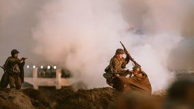 A reconstrução da batalha durante eventos dedicou ao 70th anniver Foto de Stock