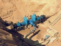 Reconstrução do encanamento principal da fonte de água municipal dentro no subsolo Imagem de Stock Royalty Free
