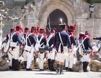 Reconstrução do exército de Napoleão O exército de Napoleão aproxima a trincheira imagens de stock royalty free