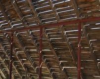 Reconstrução do telhado velho Fotos de Stock Royalty Free