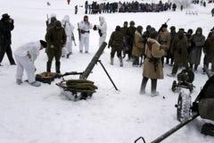 a reconstrução Militar-histórica 'a descoberta do bloqueio de Leninegrado na área do Nevskaya Dubrovka 'era i guardado fotografia de stock