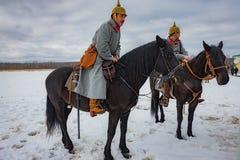 a reconstrução Militar-histórica das lutas das épocas do primeiro mundo no Borodino coloca o 13 de março de 2016 Imagem de Stock Royalty Free