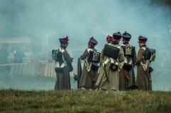 Reconstrucción de batallas de la guerra patriótica de la ciudad Maloyaroslavets de 1812 rusos Foto de archivo