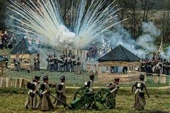 Reconstrucción de batallas de la guerra patriótica de la ciudad Maloyaroslavets de 1812 rusos Foto de archivo libre de regalías