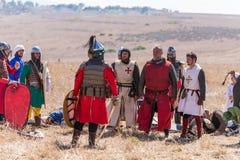 Reconstrucción de cuernos de la batalla de Hattin en 1187 Los caballeros capturados de los cruzados hacen frente a Saladin despué Imagen de archivo libre de regalías