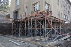 Reconstrucción de la fundación de la casa Imagenes de archivo