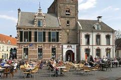 Reconstrucción en terraza en la plaza del mercado en Hattem foto de archivo libre de regalías