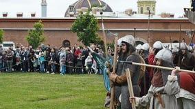 Reconstrucción histórica de la batalla de Viking en St Petersburg, Rusia metrajes