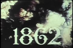 Reconstrucción histórica de la escena de batalla de la guerra civil a través del humo almacen de metraje de vídeo
