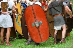 Reconstrucción histórica de una batalla Imagen de archivo libre de regalías