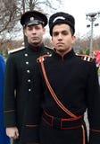 Reconstructors nella vecchia uniforme russa della polizia dei periodi zarista fotografia stock
