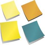 Recordatorio coloreado de la nota de las etiquetas engomadas Fotos de archivo libres de regalías