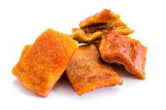 Recorte blanco aislado secado seco del fondo de la papaya imagenes de archivo